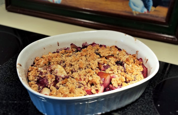 Breakfast Berry Crisp